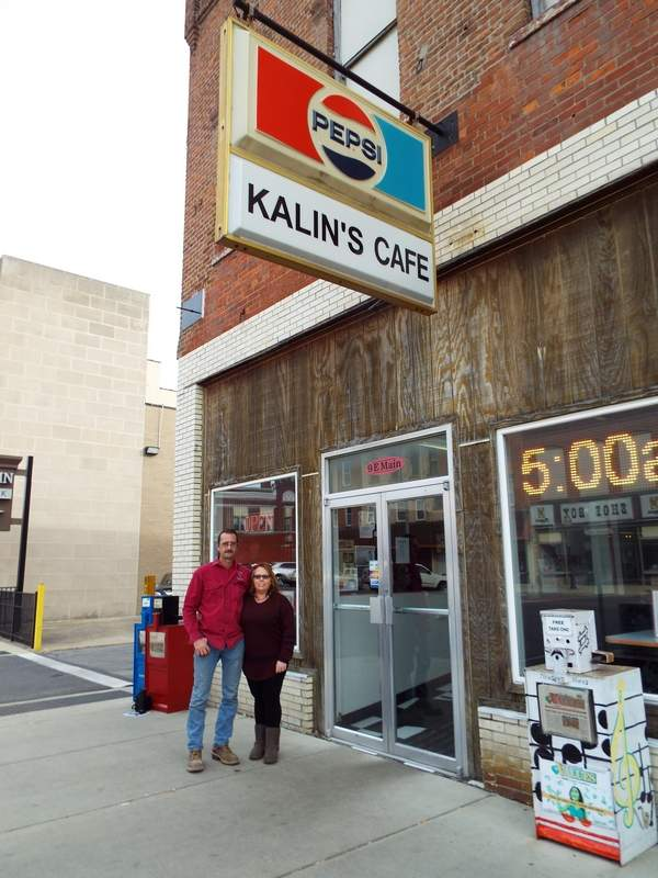 Robert Bridges, owner of Kalin's Café, and his wife, Amy, bought and renovated the restaurant and opened for business in July 2005. They added a checkerboard tile floor and painted it red and black, the colors of the Du Quoin Indians. The result is a 1950s look.