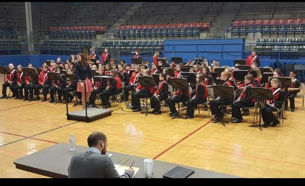 The Du Quoin Middle School band will perform in concert May 7.