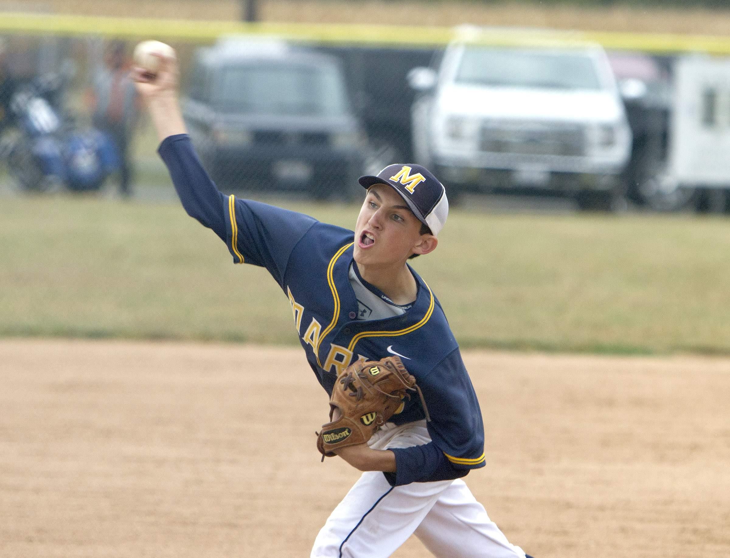 Mason Gooch throws a pitch.
