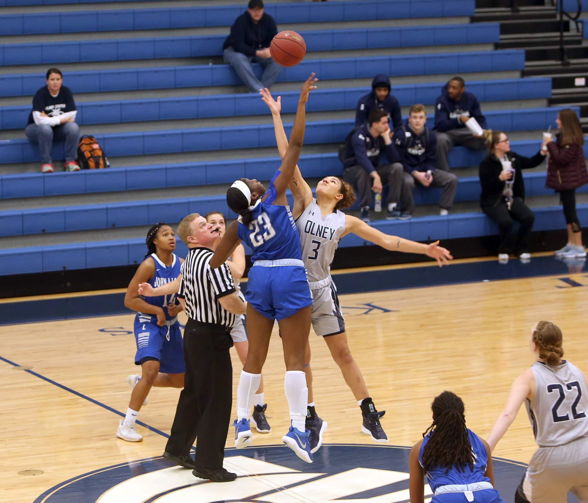 Farasia Hodge jumps against Hannah Coleman.