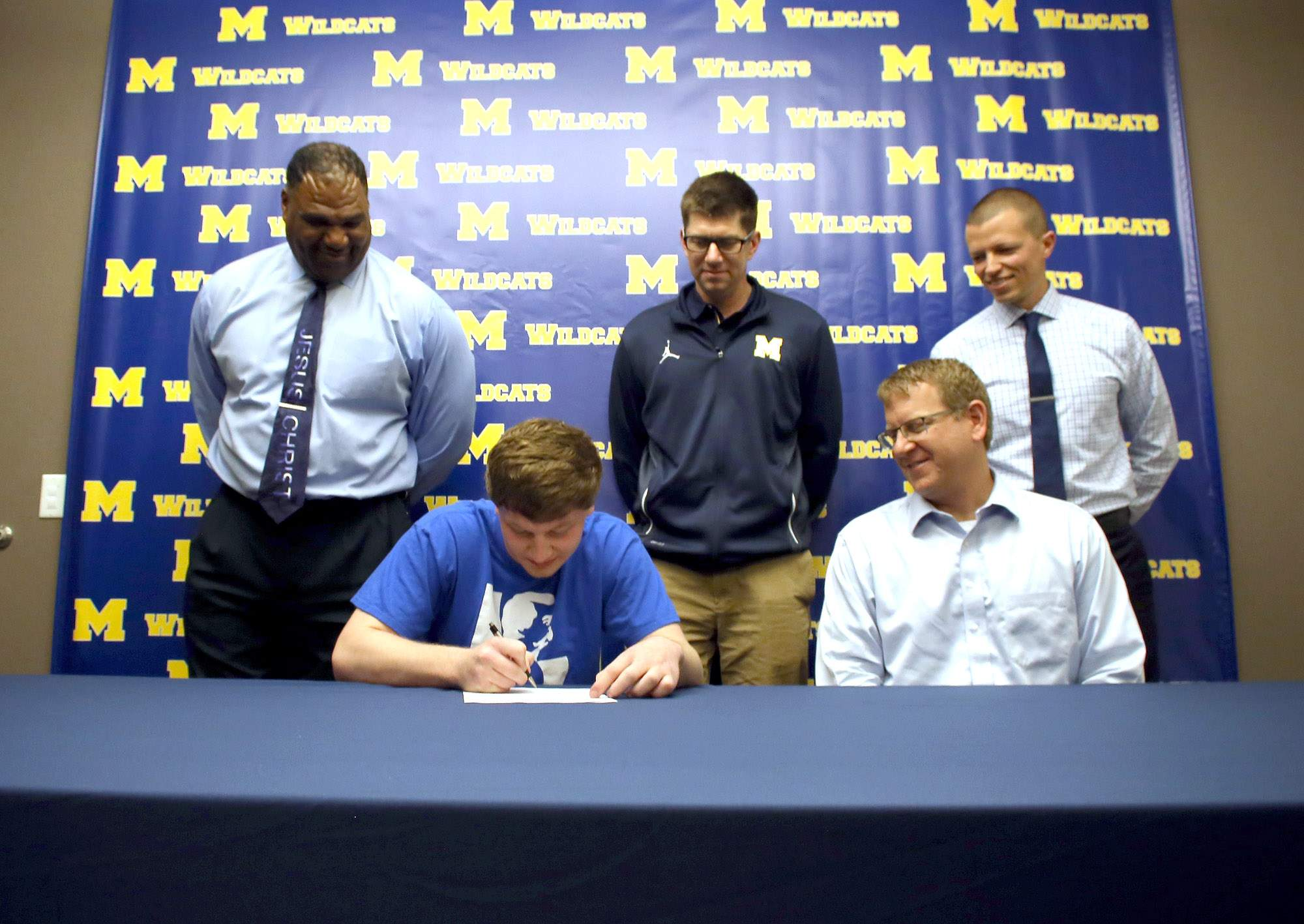 Marion High School senior Justin Saddoris signed a national letter of intent Thursday morning to join the John A. Logan College men's basketball program. Saddoris was joined by father Todd Saddoris, MHS coaches Gus Gillespie and Darrell Wimberly and MHS athletic director Ryan Goodisky.