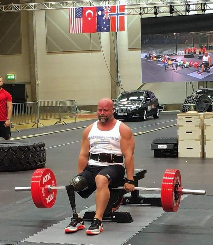 Brad Vinyard competes in the seated deadlift.