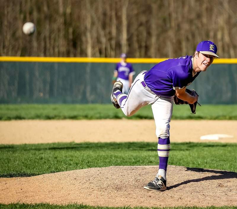 Joe Mayberry gave up seven runs and struck out five in Eldorado's loss to Edwards County Tuesday.