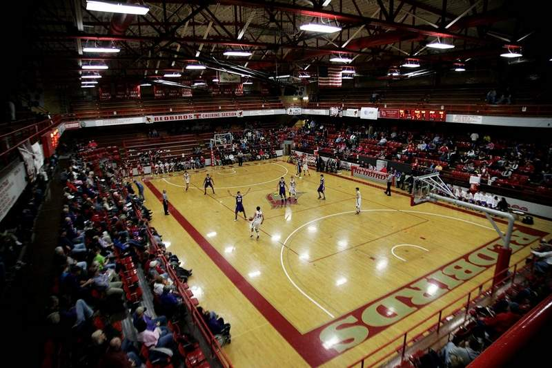 Max Morris Gymnasium, home to the West Frankfort Mid-Winter Classic, will be reduced to a four-team round robin this season after multiple teams have pulled out in favor of other events. The four teams that remain at the Mid-Winter are Cairo, Herrin, Marion and the host Redbirds.