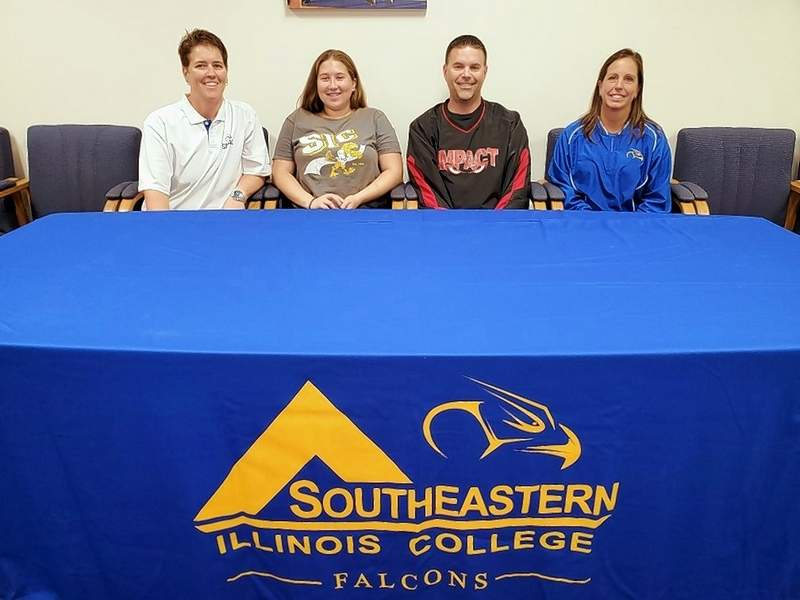 Cathlene Green commits to play softball at SIC during the 2020-21 collegiate season. Pictured (l-r): SIC Softball Head Coach, Maggie Calcaterra, Cathlene Green, father Ryan Green and SIC Softball Assistant Coach Missy Broy.