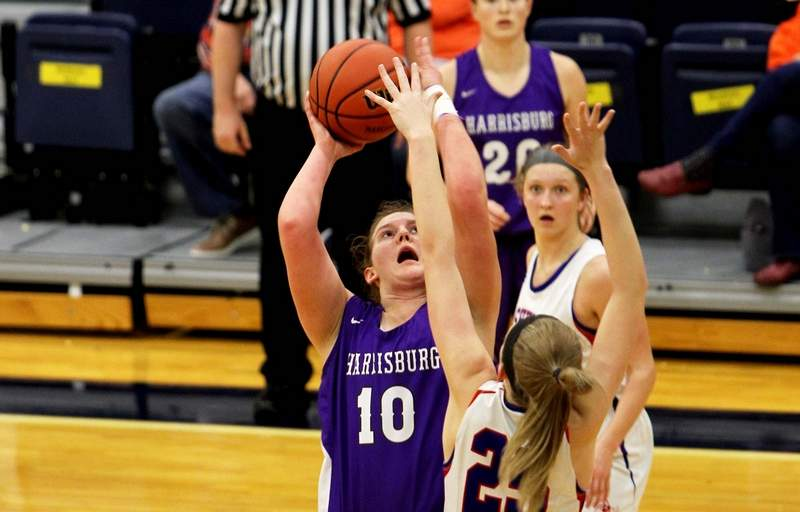 Harrisburg's Lydia Miller had a game-high 14 points in the Bulldogs' 44-36 loss to Nashville in Tuesday night's Sectional semifinal loss to the Hornets at Carterville High School.