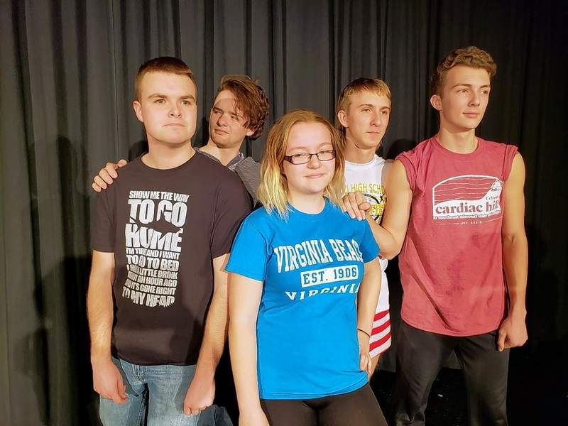 Carlie Sommers as Bianca in Taming of the Shrew, with her gentleman pursuers, from left, Hunter Burris, Jaxson Smith, Nathan Smith and Ben Harsy.